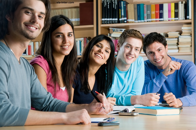 İrlanda'da eğitim almak için ; Merkezimizle iletişime geçmeyi unutmayın !